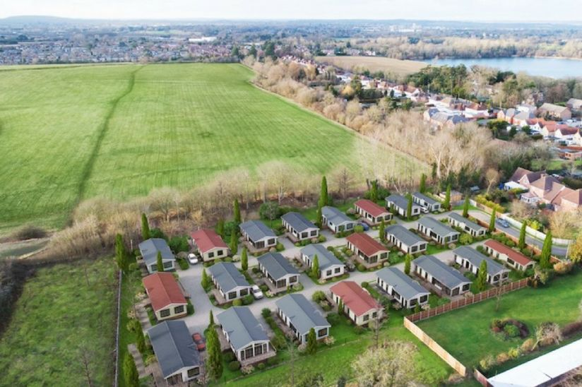 Lyngfield Park, Bray, Maidenhead, aerial view