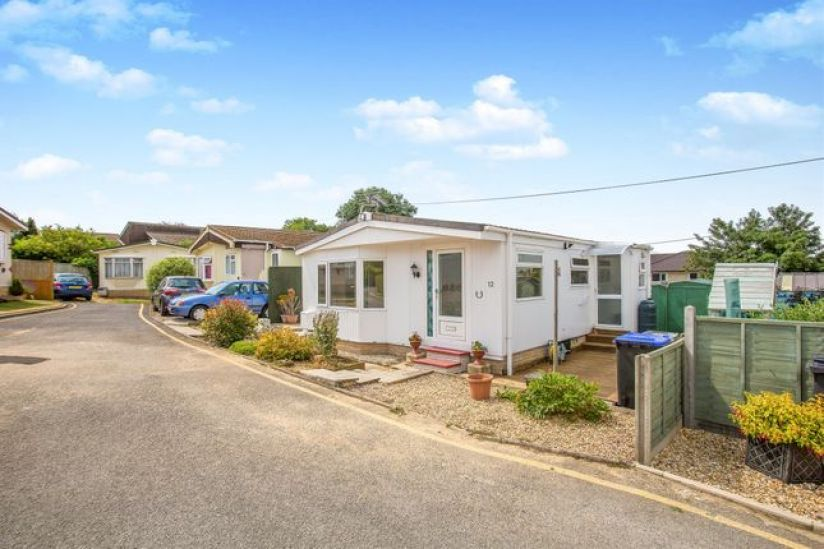 Bungalow Park homes for sale in Wiltshire