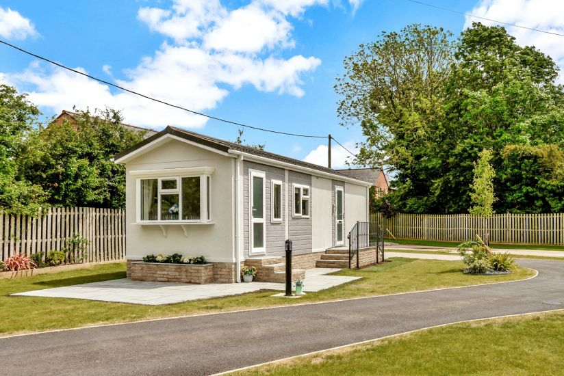 Detached single-storey turnkey home