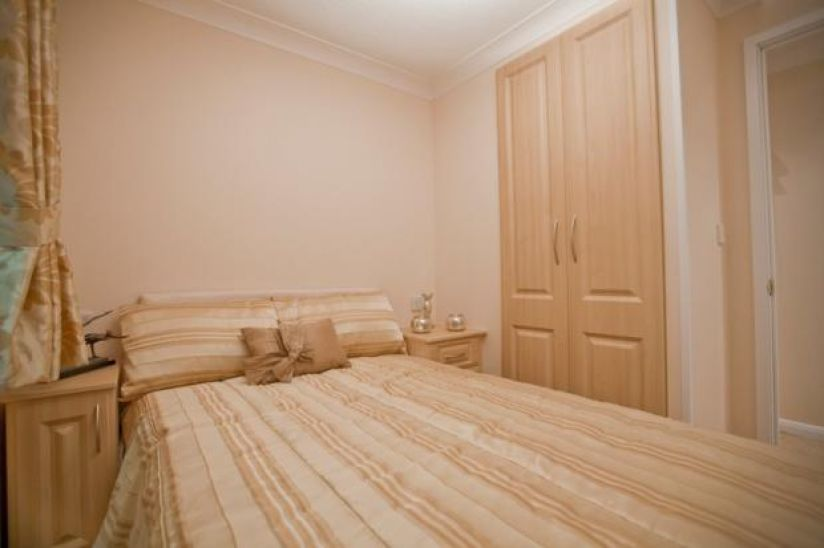 Two Bed Stately Albion Tredegar