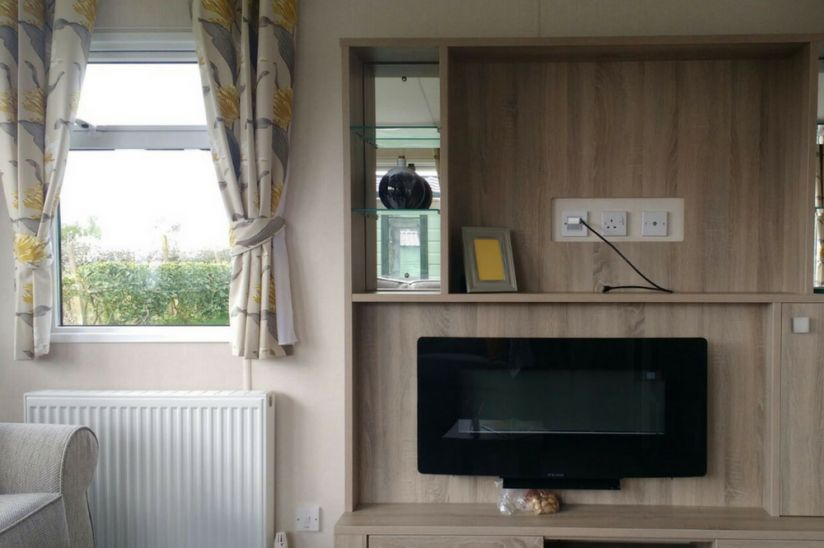 Two Bed Carnaby Oakdale (38x12) 2017