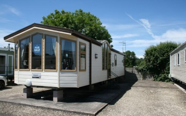 Pre-Owned Two Willerby Aspen  (37'x12') 2008