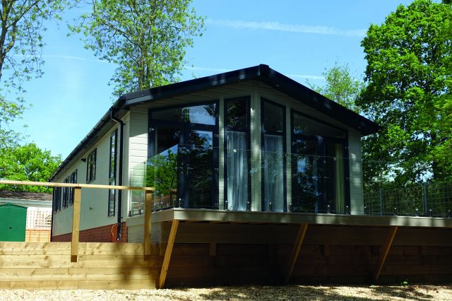 Two Bed Tingdene Country Lodge (46x20)
