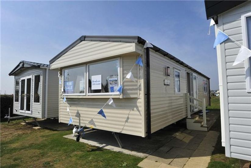 Two Willerby Seasons (Stor) (37x12) 2019