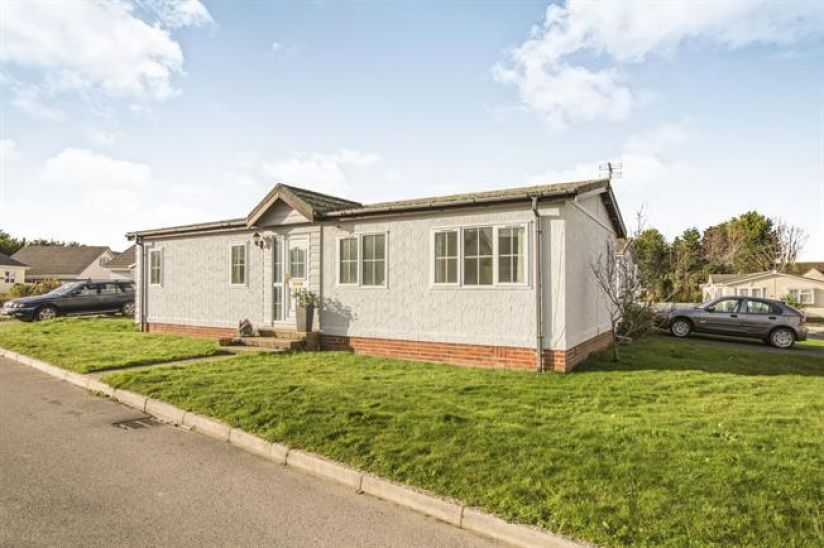 1 Pentire, Two bed Tingdene Milton Cottage (40x20)