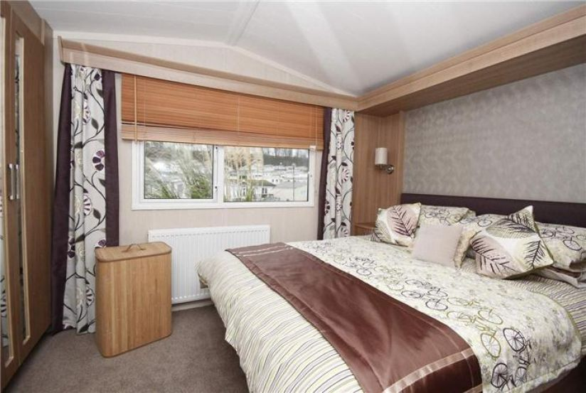 Two Bed Swift Chamonix (39x12) 2014