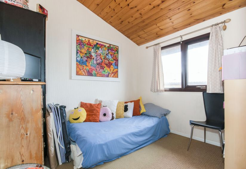 Three Bed Vancouver Lodge (40x20) 2004